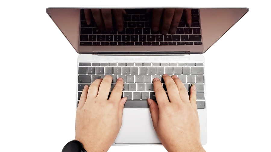<MACBOOK keyboard repair